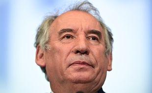 Pour François Bayrou, les Français saluent les choix du président face à la pandémie de Covid.
