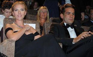 Scarlett Johansson et Romain Dauriac, à la projection du film Under the skin à la Mostra de Venise, en Italie, le 3 septembre 2013.