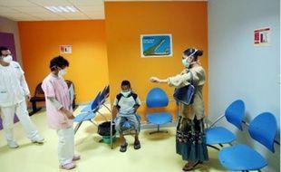 Les hôpitaux pourront ouvrir des lits supplémentaires et réquisitionner du personnel.