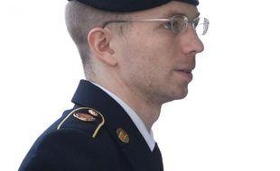 Le soldat américain Bradley Manning a écopé mercredi d'une peine de 35 ans de prison pour avoir transmis à WikiLeaks des milliers de documents secrets , la plus importante fuite d'informations confidentielles de l'histoire des Etats-Unis.