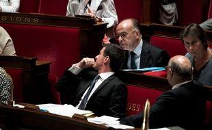 Manuel Valls et Bernard Cazeneuve le 20 juillet 2016 à l'Assemblée nationale.