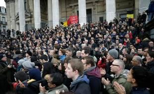 Rassemblement pour une minute de silence le 23 mars place de la Bourse à Bruxelles