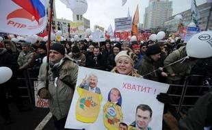 L'immense manifestation à Moscou contre Vladimir Poutine a désacralisé son régime, en place depuis douze ans, si bien qu'à moins de trois mois de la présidentielle, l'homme fort de la Russie va devoir réfléchir à une refonte de son système, selon des analystes.