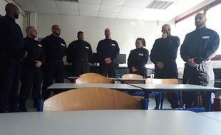 Une « brigade de sécurité dans les lycées »
