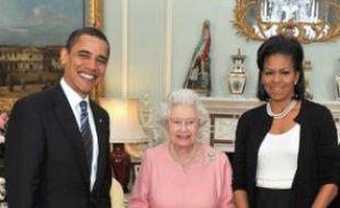 Barack Obama, la reine Elizabeth II et Michelle Obama, le 1er avril 2009 à Buckingham Palace.