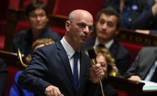 Le ministre français de l'Education nationale Jean-Michel Blanquer dans l'hémicycle du Parlement.