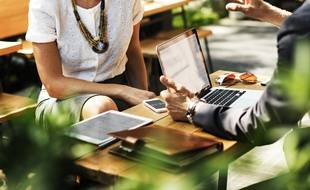 Sur les cinq dernières années, un Français sur quatre dit avoir subi un « comportement blessant » sur son lieu de travail.
