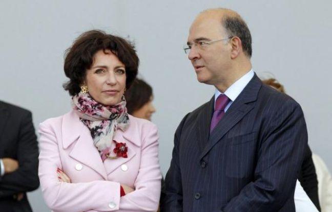 """Le ministre de l'Economie et des Finances, Pierre Moscovici, a répété dimanche que le plan de 8.000 suppressions de postes de PSA Peugeot Citroën n'était """"pas acceptable"""" et a renvoyé à l'annonce le 25 juillet du plan du gouvernement pour """"toute la filière"""" automobile."""