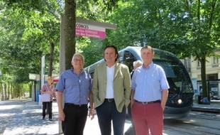 Hervé Harduin, Jacques Dubos et Denis Teisseire, membres de l'association Trans'Cub à Bordeaux