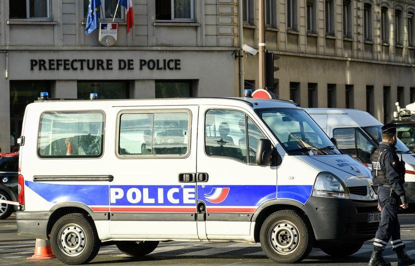 PODCAST. « Minute Papillon ! » : Attaque à la préfecture de Paris, cancer du sein et Pompéi