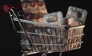 Plus de deux tiers des Français (77%) se déclarent prêts à acheter leurs médicaments sans ordonnance en parapharmacie, selon une étude Ipsos, réalisée pour les centres E. Leclerc