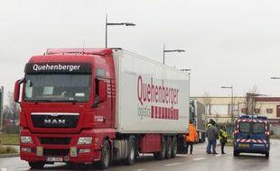 Corbas, le 19 janvier 2015. Des routiers bloquent les accès au marché de gros de Corbas dans le cadre d'une mobilisation nationale destinée à obtenir du patronat des revalorisations salariales.