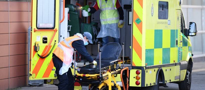 Une ambulance à Londres le 19 avril 2020.