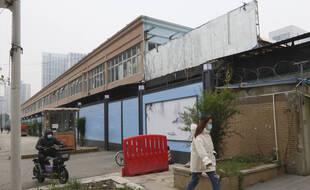 Le marché, désormais fermé, de Wuhan suspecté d'être à l'origine de la pandémie, le 1er décembre 2020.