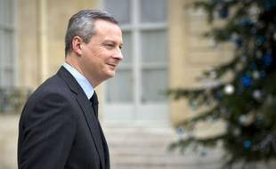 France's Agriculture Minister Bruno Le Maire leaves the Elysee Palace after the weekly cabinet meeting on January 11, 2012 in Paris. AFP PHOTO LIONEL BONAVENTURE
