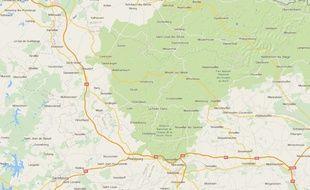La zone des attaques à la voiture bélier et des méfaits de la nuit de lundi à mardi couvre les secteurs du Bas-Rhin de Saverne, de Sarre-Union et de Moselle de Sarralbe.