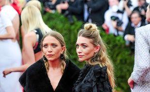 Mary-Kate et Ashley Olsen au Metropolitan Museum of Art à New York, le 4 mai 2015.