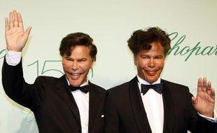 Igor et Grichka Bogdanoff, lors du festival de Cannes, le 17 mai 2010.