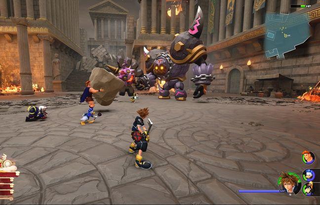 Le jeu est occupé en grande partie par des combats dans lesquels le joueur incarne le jeune Sora aidé de ses amis.