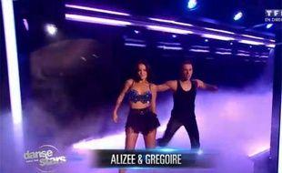 Alizée et son partenaire dans «Danse avec les stars 4», le 28 septembre 2013.