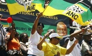 """La commission électorale sud-africaine a """"fermement"""" condamné les violences qui ont eu lieu dimanche envers neuf militants du parti au pouvoir, le Congrès national africain (ANC), en campagne pour les élections générales prévues au deuxième trimestre 2009."""