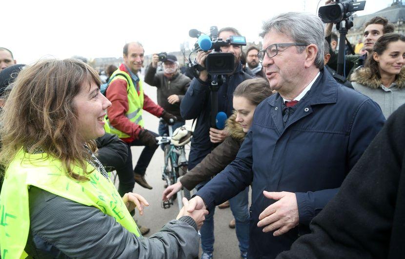 Convergence des luttes. Appel au 5 mai. La Fête à Macron !  - Page 3 830x532_jean-luc-melenchon-marche-climat-bordeaux-8-decembre-2018