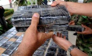 Le Mexique offre de fortes récompenses, allant jusqu'à deux millions de dollars, pour la capture des principaux barons de la drogue, a annoncé lundi le journal officiel.