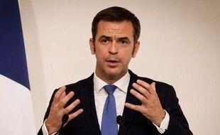 Le ministre de la Santé, Olivier Veran, devant la presse à Matignon, à Paris, le 22 octobre 2020.