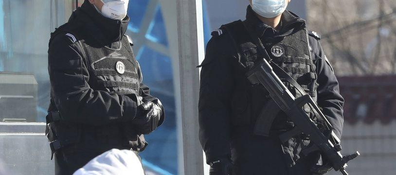 Des policiers chinois à Pékin début février 2020 (illustration).