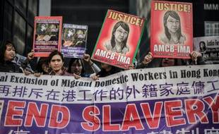 Manifestation devant le tribunal à Hong Kong, le 10 février 2015, en soutien à Erwiana Sulistyaningsih lors du procès de son employeur