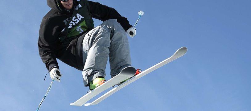 Kevin Rolland, ici en pleine épreuve de half-pipe, en février 2013 dans l'Utah (Etats-Unis).