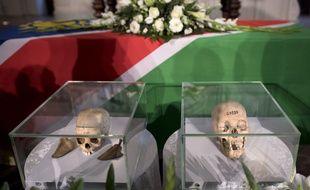 L'Allemagne a remis à la Namibie des ossements de tribus exterminées au début du XXe siècle lors d'une cérémonie religieuse à Berlin, mercredi 29 août.