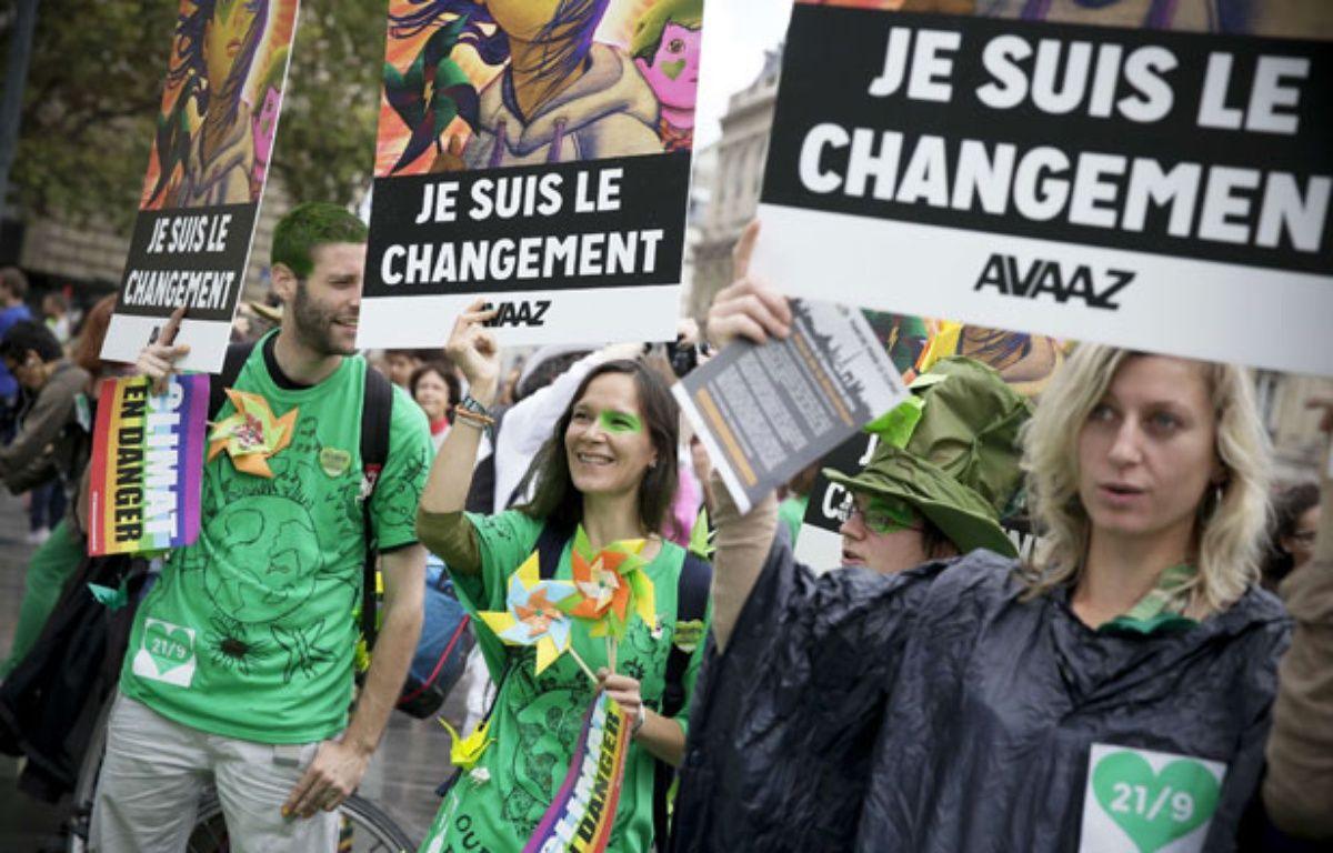 Des manifestants lors de la marche pour le climat à Paris, le 21 septembre 2014.  – Thomas Padilla/AP/SIPA