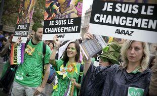 Des manifestants lors de la marche pour le climat à Paris, le 21 septembre 2014.