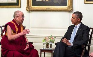 La photographie officielle diffusée par la Maison blanche de la rencontre entre Barack Obama et le dalai lama, le 21 février 2014.