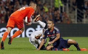 Le gardien lyonnais, Anthony Lopes, lors d'un match de Ligue Europa, le 3 octobre 2013 contre le Vitoria Guimaraes.