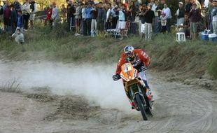 Le pilote espagnol Marc Coma, vainqueur de la troisième étape moto du Dakar le 5 janvier 2009.