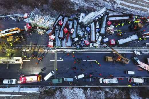 Un spectaculaire carambolage fait au moins 17 morts — Chine