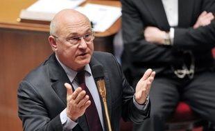 """Les associations de chômeurs sont ressorties vendredi en """"colère"""" de leur rencontre avec le ministre du Travail Michel Sapin, déçues de n'avoir obtenu aucune des mesures d'urgence qu'elles réclament face à la """"détresse profonde"""" des chômeurs, toujours plus nombreux."""