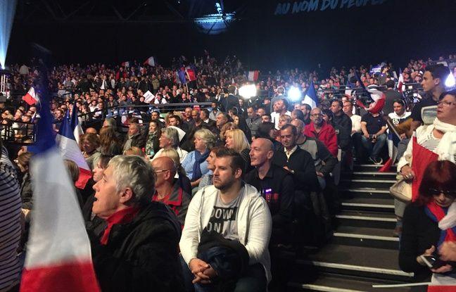 Des sympathisants venus au meeting de Marine Le Pen à Nice le 27 avril 2017