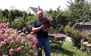 Antonio Lopes Duarte, éleveur de poules amateur en Seine-et-Marne