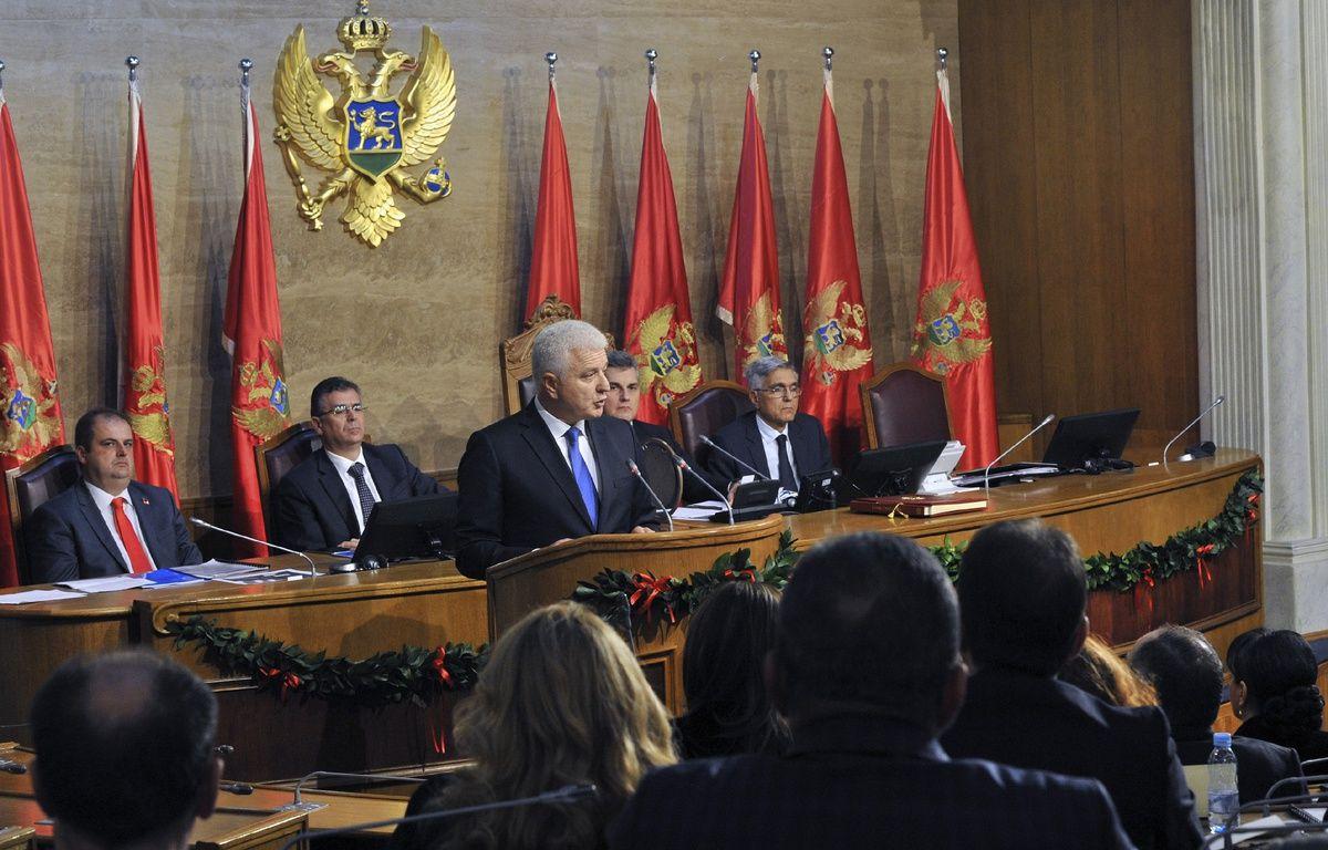Le nouveau Premier ministre monténégrin Dusko Markovic s'exprime devant le Parlement, le 28 novembre 2016. – Savo PRELEVIC / AFP