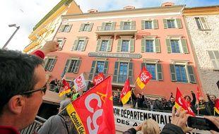 Entre 150 et 250 syndiqués se sont réunis ce lundi après-midi, à Nice.