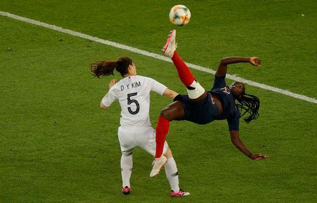 Contre la Corée du Sud, au Parc des Princes, Mbock a failli marquer un but acrobatique.