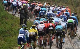 Les coureurs à Paris-Roubaix