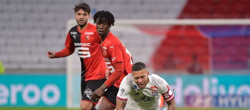 Memphis Depay s'est blessé lors de la défaite contre Rennes, comme son coéquipier Jeff Reine-Adelaïde.