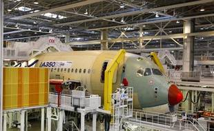A Colomiers, l'usine d'assemblage de l'A350 XWB, le dernier né d'Airbus