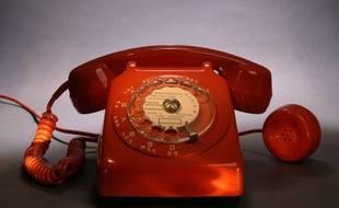 Téléphone à cadran. Photo d'illustration.