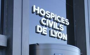 Vue de la façade des batiments des HCL (Hospice Civil de Lyon). Lyon, le 12 septembre 2011. CYRIL VILLEMAIN/20 MINUTES