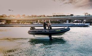 Les foils du Flying rib, du constructeur français SEAir, permettent à la coque de ce semi-rigide de se soulever de l'eau